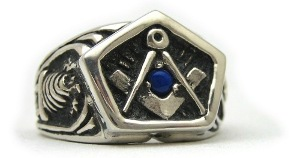 Square and Compass Masonic Ring with Lapiz Lazuli